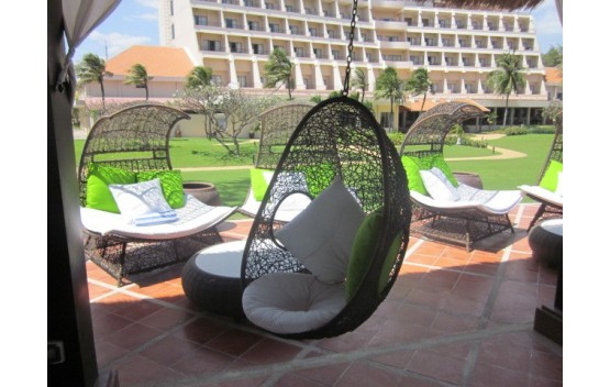 Wicker Outdoor hanging Egg Pod Chair VP