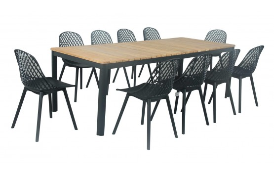 The Walmer 9 Piece Outdoor dining set
